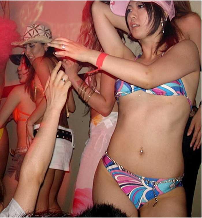 【レゲエダンサーエロ画像】恰好もポーズもヤバイ程エロいレゲエダンス。ダンサーの開脚系超エロ画像集50連発! 32