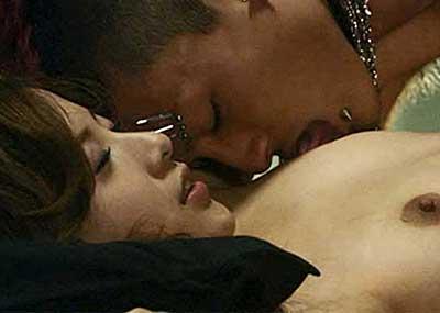 【芸能人エロ画像】脱いでいたことがあまり知られていない吉高由里子と池脇千鶴。今をときめく女優のリアルおっぱい、ヌード画像集!
