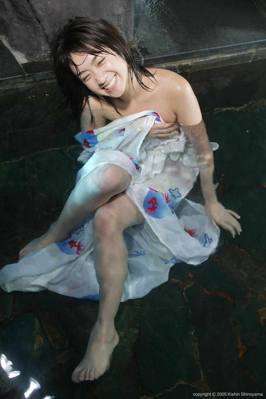 【芸能人エロ画像】脱いでいたことがあまり知られていない吉高由里子と池脇千鶴。今をときめく女優のリアルおっぱい、ヌード画像集! 45