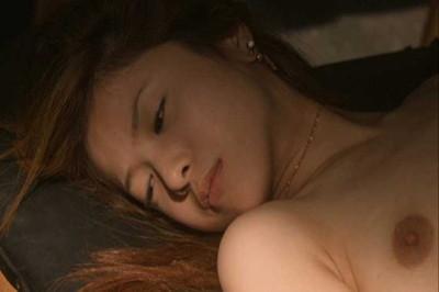 【芸能人エロ画像】脱いでいたことがあまり知られていない吉高由里子と池脇千鶴。今をときめく女優のリアルおっぱい、ヌード画像集! 12