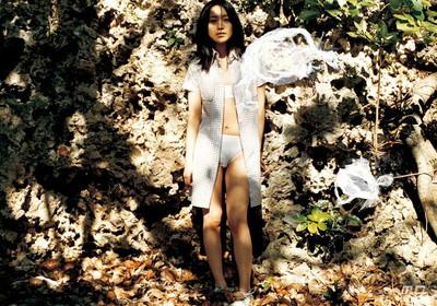 【芸能人エロ画像】脱いでいたことがあまり知られていない吉高由里子と池脇千鶴。今をときめく女優のリアルおっぱい、ヌード画像集! 43