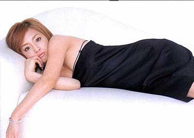 【浜崎あゆみエロ画像】あゆを完全エロ目線で画像を集めてみました。見事な乳型で思いのほかヌけるという事実!浜崎あゆみセクシー画像集