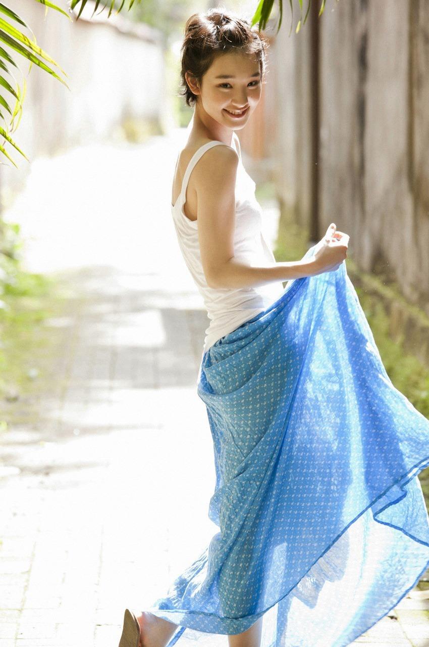 【剛力彩芽エロ画像】露出少ない剛力彩芽のレアな水着や透けワンピースなどのエロ画像集めました。ちっぱい界の女神感半端ないす! 04
