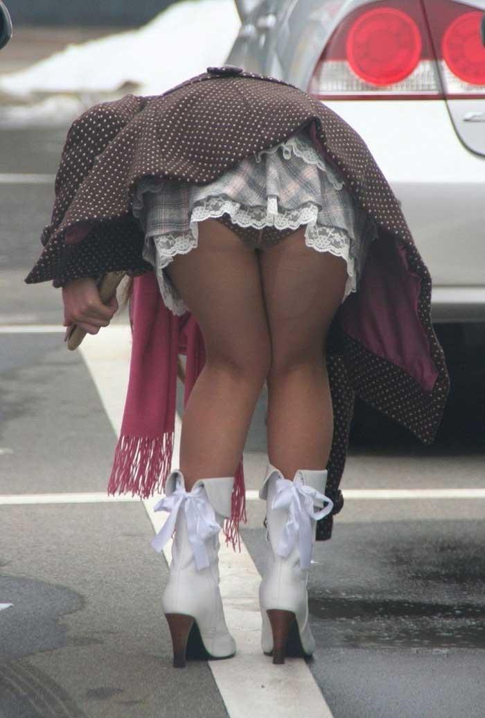 【ハプニングエロ画像】街中で出会えるウソみたいなエロハプニング画像集!引きこもりの子に見せれば効果あるのではww 08