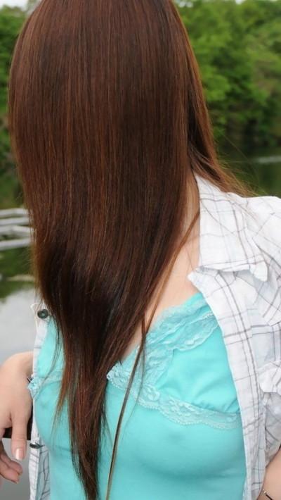 【ノーブラエロ画像】日本でも近年増えてきたぁ!街中でノーブラで乳首ぽっちんしちゃってたり胸チラして乳首まで出ちゃってる画像を集めました 40